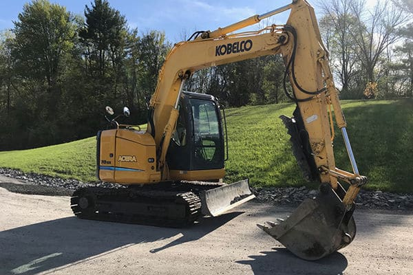 Kobelco SR 70 Excavator with thumb